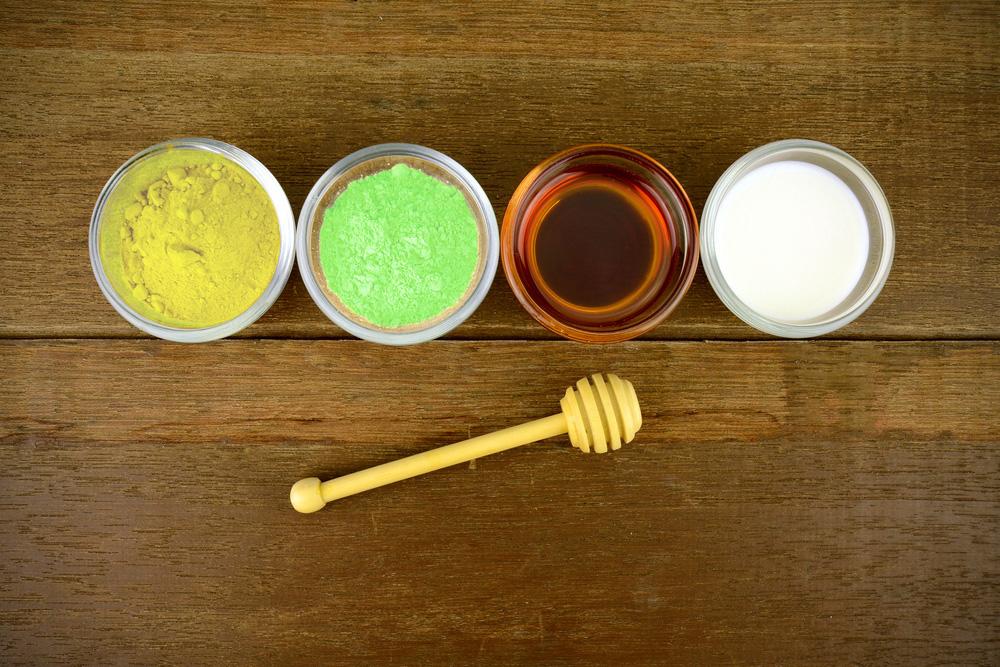 Mặt nạ tinh bột nghệ kết hợp sữa chua làm sáng da nhanh chóng và dễ thực hiện